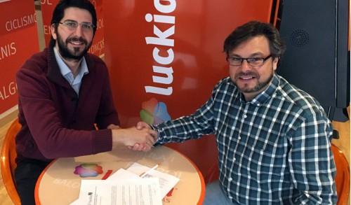 La casa de apuestas luckia nuevo patrocinador del carbajosa basket noticias del sector - Luckia casa de apuestas ...